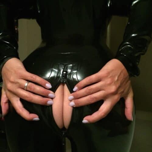 Fick meinen Arsch während ich Leder trage
